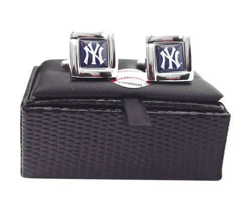MLB NY New York Yankees Square Cufflinks with Square Shape Engraved Logo Design Gift Box Set
