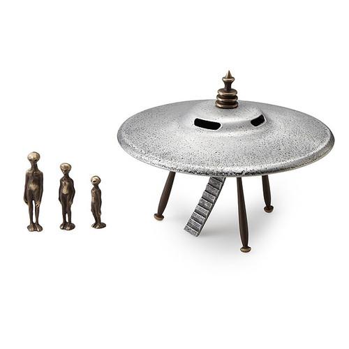 Flying Saucer + Alien Family