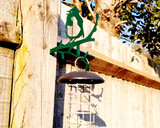green robin ornament with bird feeder