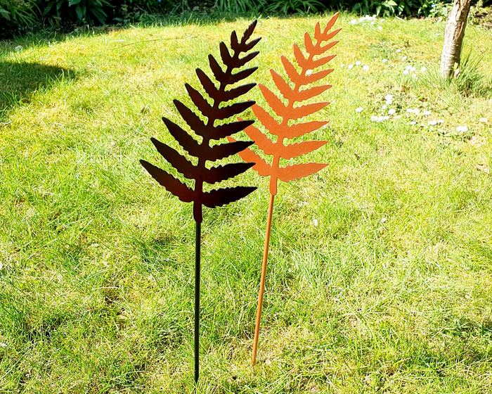 fern stake  metal black and  copper