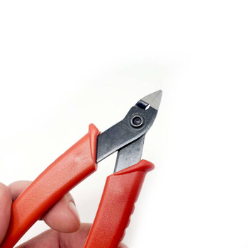 Flush cut wire cutters