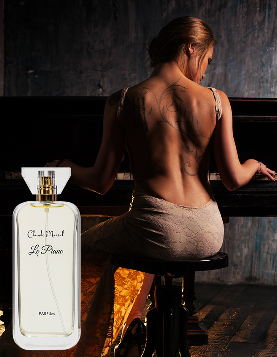 """""""Le Piano"""" is a fragrance dedicated to courageous, brave and modern women who prefer luxury and elegance. """"Le Piano"""" belongs to the floral and vanilla family.  THE NOTES TOP NOTES The perfume opens with Calabrian Bergamot and Sicilian Oranges and Sicilian Grapefruit. HEART NOTES It continues to the foundation of pure extract of Rose and Jasmine; with a Fruity touch of Litchi. BASE NOTES The last touch of the perfume is Indonesian Patchouli, Haitian Vetiver, Bourbon Vanilla and White Musk unfolding the entire soul of the perfume."""