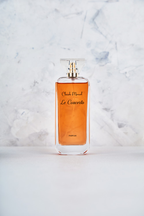 """""""Le Concerto"""" is both salty and floral fragrance. It is devoted to daring and adventurous women. """"Le Concerto"""" belongs to the Vanilla, White Floral, Salty, Woody and Powdery Fragrance Family.  THE NOTES TOP NOTES The perfume opens with Green Mandarin, Water Jasmine, and Ginger flower. HEART NOTES It continues to the foundation of delicious Vanilla and Salt. BASE NOTES The last touch of the perfume is Ambergris, Cashmere Wood, and Sandalwood unfolding the entire soul of the perfume."""