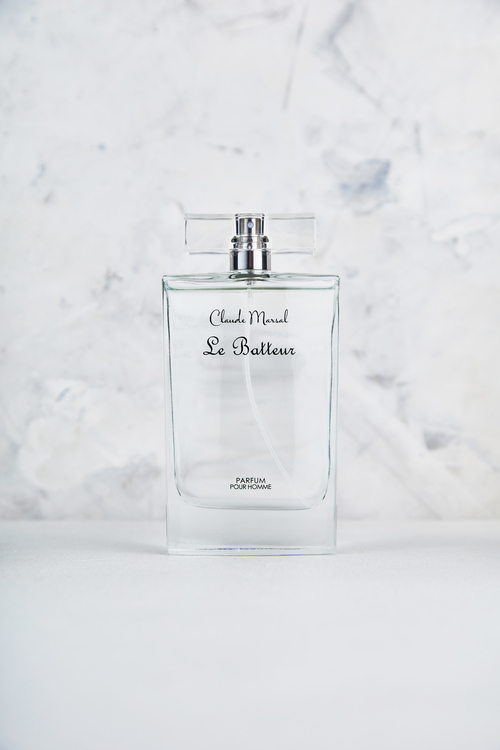 """""""Le Batteur"""" for men is the incarnation of a resolutely masculine fragrance, both modern and timeless, with depth, modernity, and the right amount of discreet mystery. """"Le Batteur"""" belongs to the aromatic and sweet fragrance family.  TOP NOTES The perfume opens with Pink Pepper, Plum, and Fresh Spicy Notes.  HEART NOTES It continues to the foundation of delicate Orchid, Fruits, and Powdery. BASE NOTES The last touch of the perfume is Vanilla and Patchouli."""