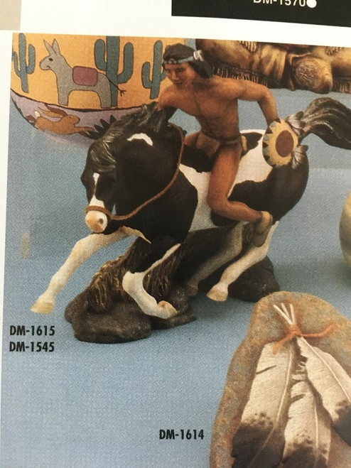 "DM1545 Horse Statue 14""L"