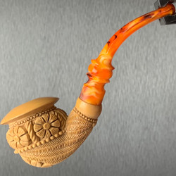 Polynesian Flower Calabash I Meerschaum Pipe with Caramel Finish by Paykoc