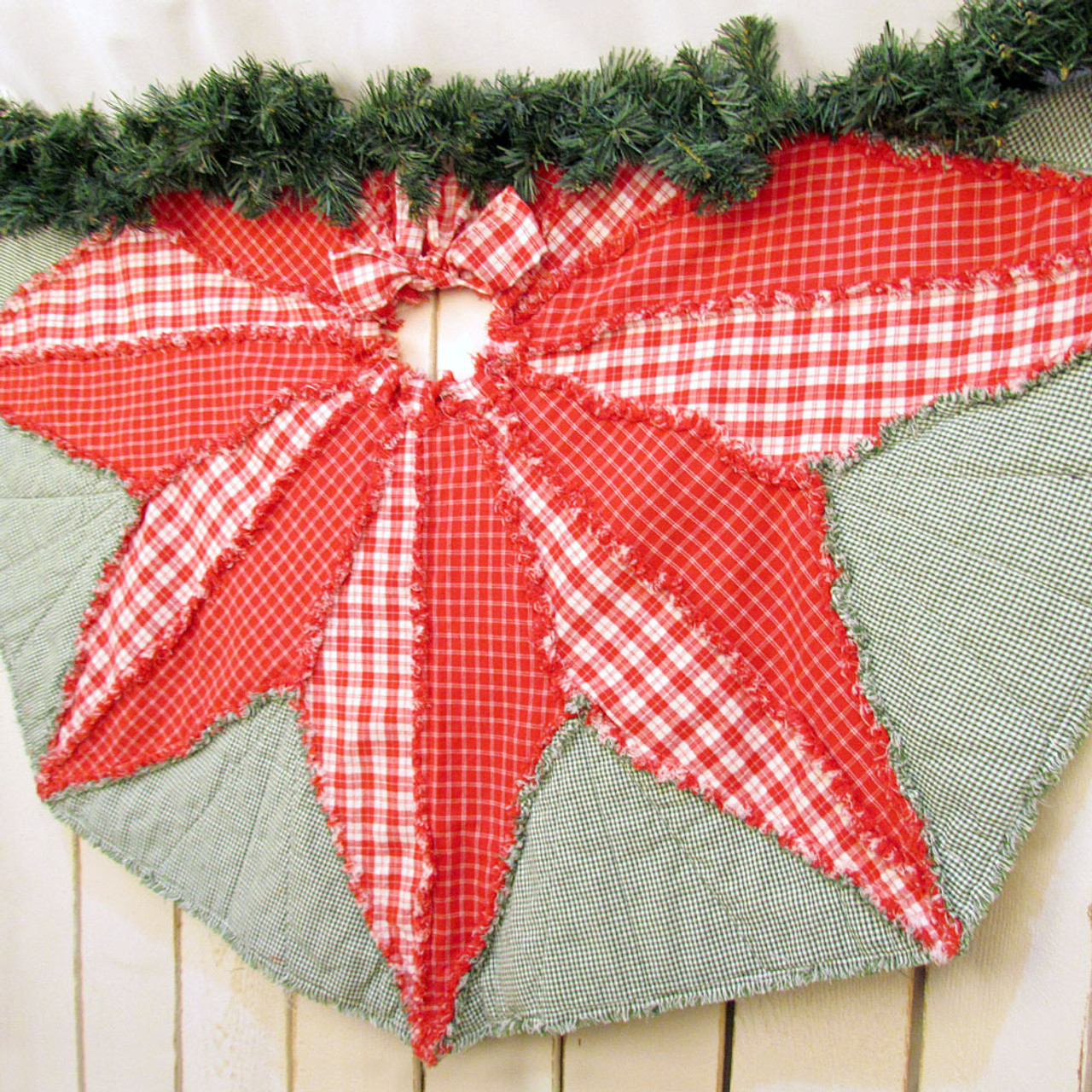 Poinsettia Star Quilted Christmas Tree Skirt Pattern - DIGITAL