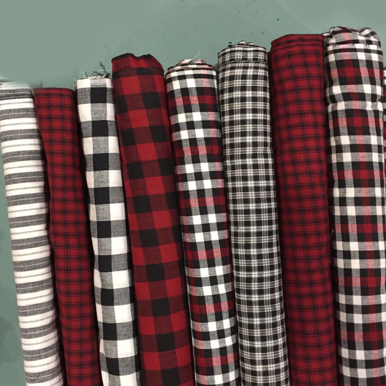 Buffalo Lodge Plaid Ragged Christmas Tree Skirt Kit