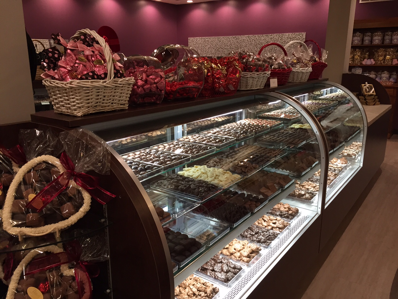 humidity-controlled candy display cases