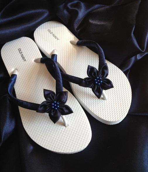 Navy Beach Bride Flip Flops / Wedding Flip Flops / Bridesmaid gifts