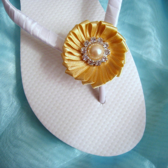 Beach Wedding Flip Flops - White and Golden / Bridal Flip Flops / Bridesmaid , Bridal Shower, Flower Girl, Birthday Party,