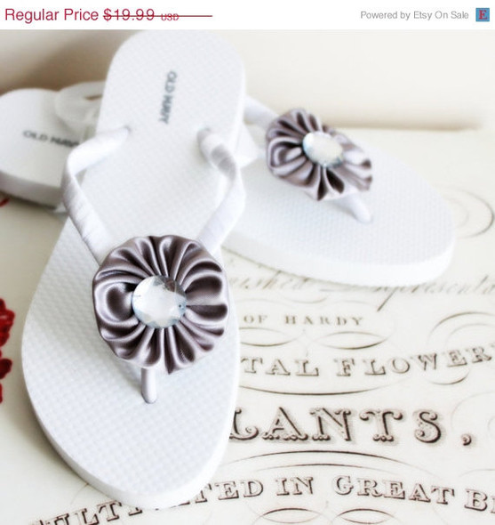Gray Beach Wedding Flip Flops / Bridal Flip Flops / Bridesmaid , Bridal Shower, Flower Girl, Birthday Party, Favor