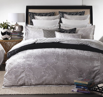 Fingers Silver Quilt Cover Set