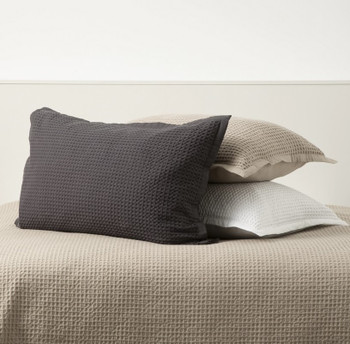 In 2 Linen Waffle Pillowcases
