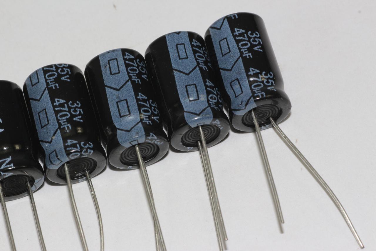 5 x 33uF 250V Radial Electrolytic Capacitors 13mm Diameter 24.2mm Height