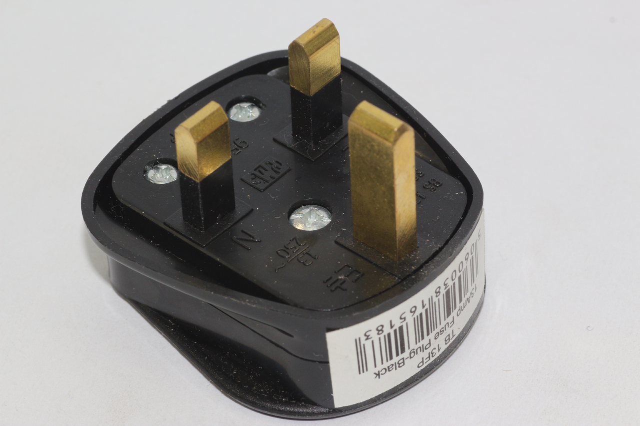 100 x Standard UK Fused 13A Black Mains 3 Pin Houshold Plugs c//w 13A Fuse Fitted