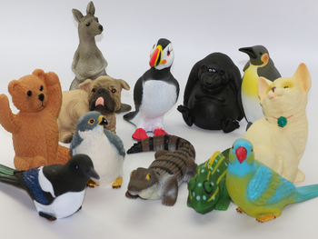 12 x Garden Animals, Ornaments, Birds, Dog, Bear, Pussy, Reptile, Fix To Trees