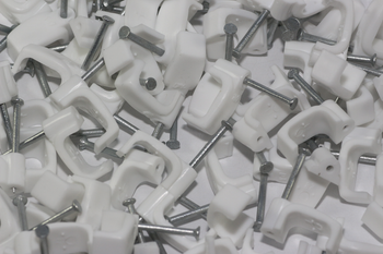 100 x White 6mm FT&E Flat Cable Clips for Twin Coax Cable Webro WF100, 13mm Wide
