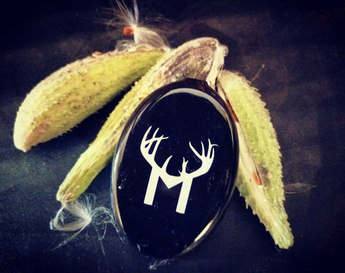 Keep your wind and thermals in check while your out hunting by using milkweed fluff. Not only will the fluff tell you the prevailing wind, it will also let you know what the thermal currents are at any particular time while on stand, unlike your standard powder wind indicator. Our milkweed fluff comes in a coin purse that will fit any pocket for easy use and carry.