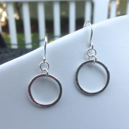 Petite hammered link earrings