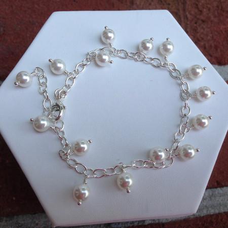 d8e1a506f382cc Dangling Swarovski pearl bracelet - SMH Jewelry
