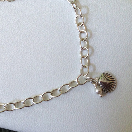 Argentium sterling anklet with sterling clamshell