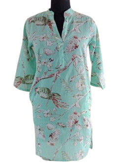 An Asian-inspired mandarin collar and open V-neck unique 100% cotton voile button less shirt in beautiful Print. Sleeves can be worn down or rolled up and buttoned with arm epaulets.