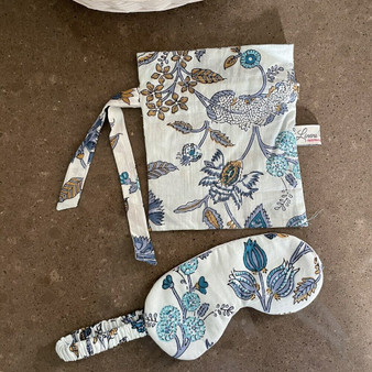Cotton eye mask with bag in blue & white floral