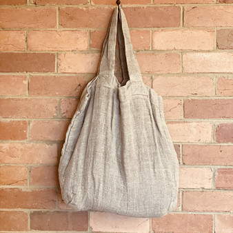 Rustic, richly textured linen bag made from 100% pure linen woven in a thick weave. Size is approximately 52 x 40 cm