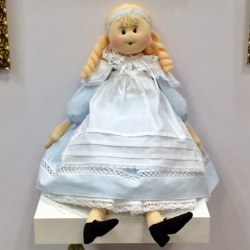 Doll: Alice in Wonderland
