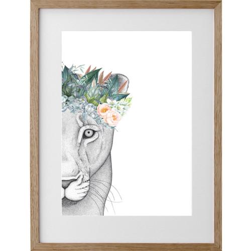 Linda the Lioness w/Foliage