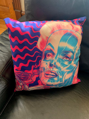 """      MARILYN"" PILLOW"