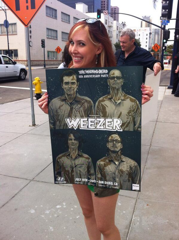 """   WEEZER WALKING DEAD "" CHOKING BLUE SET OF 4 PRINTS"