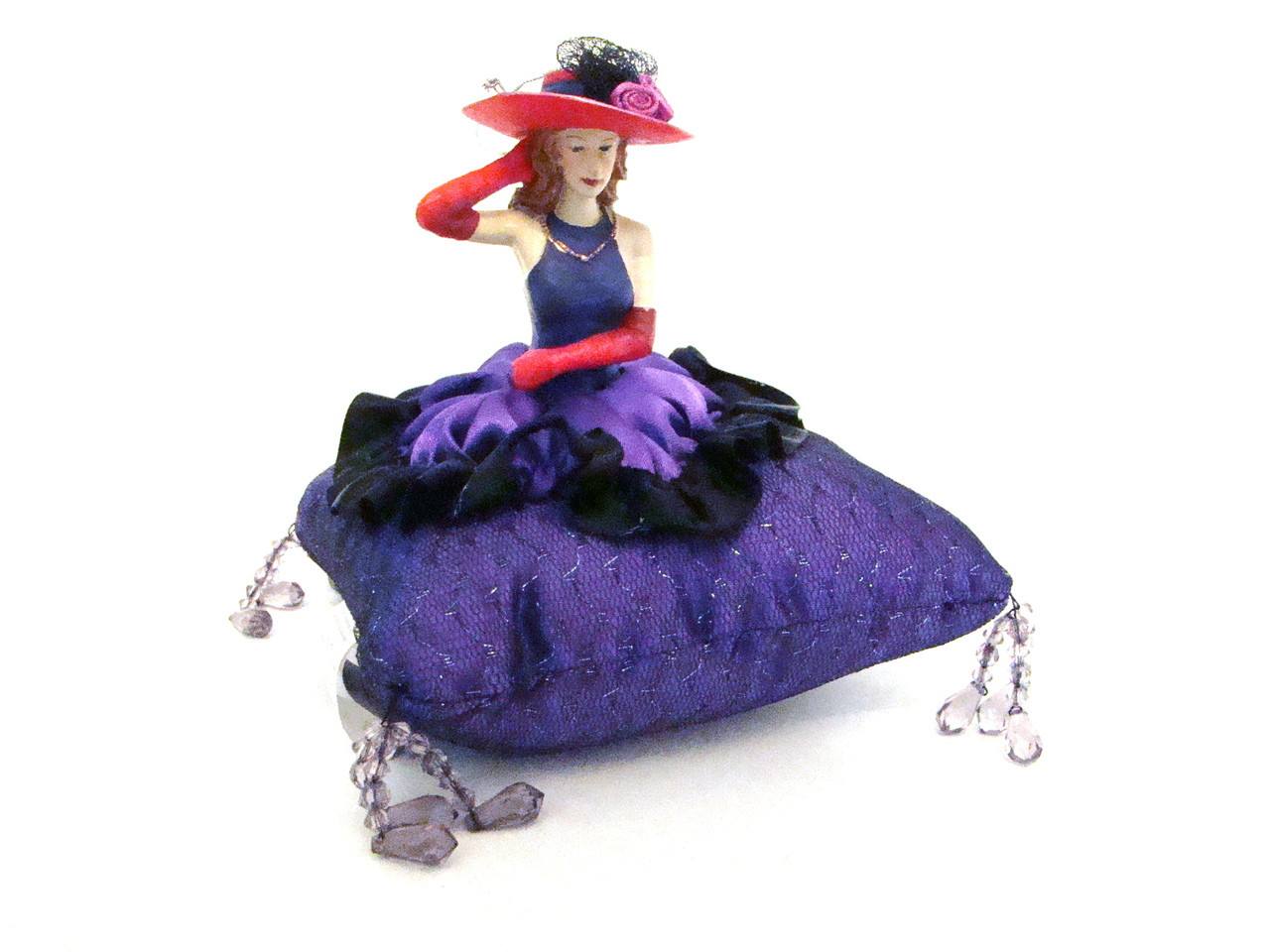 Red Hat Lady Pin Cushion Doll #DI2291