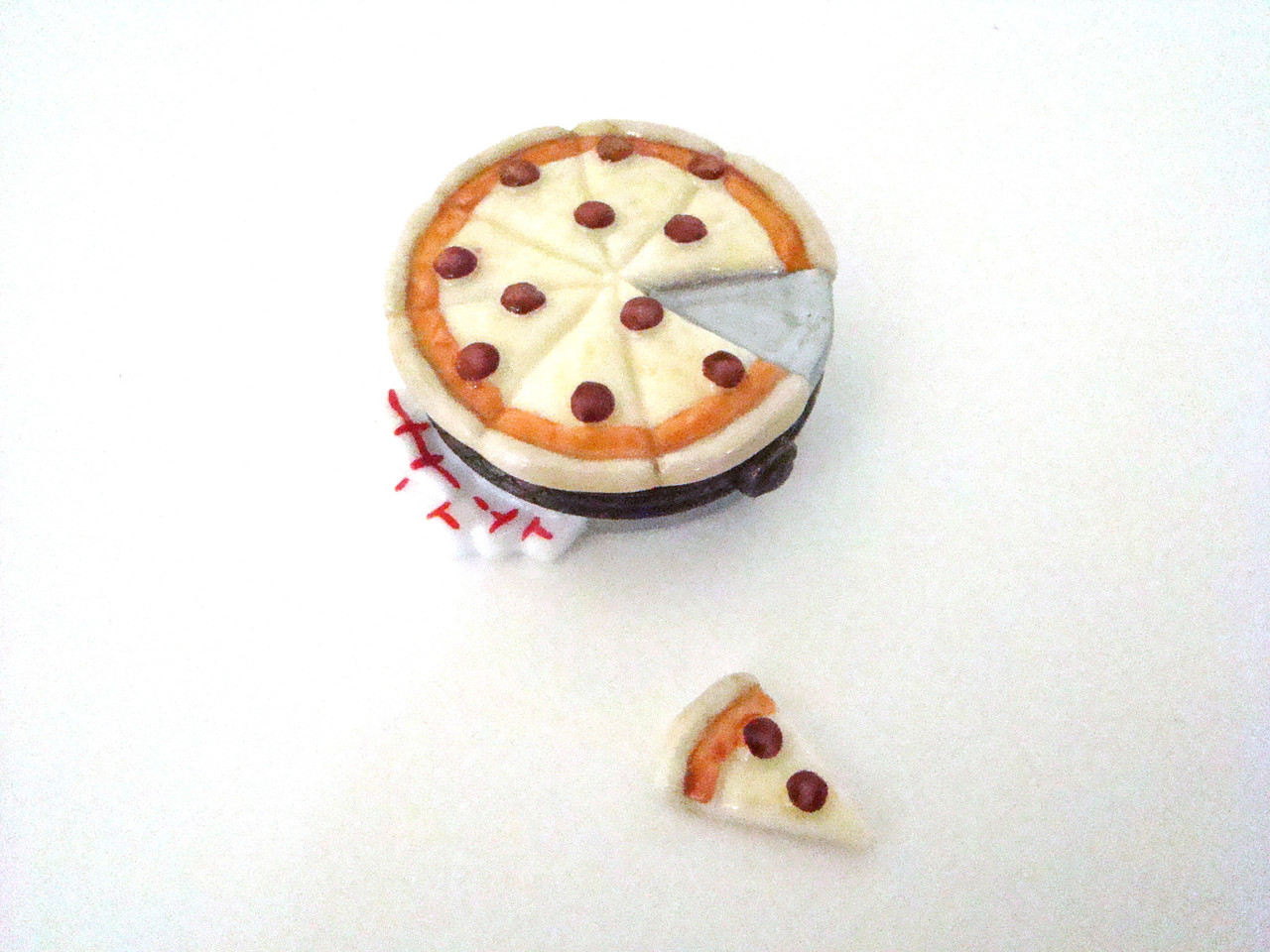 Pizza with pizza slice 31879-9 PHB