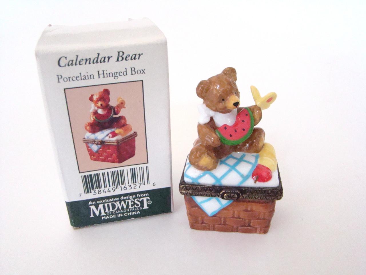 August Calendar Bear 16327-6 PHB