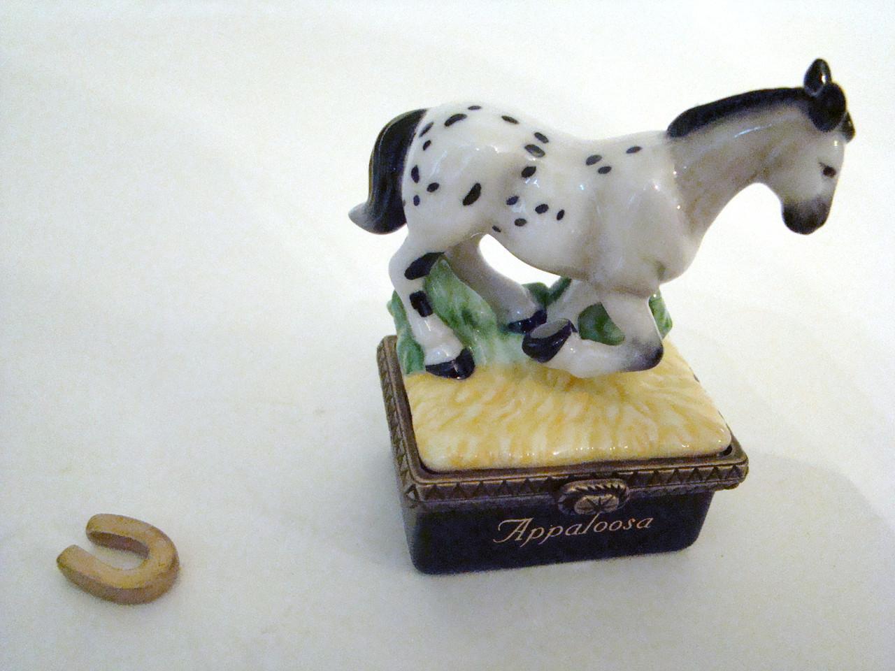 Appaloosa Horse with Horseshoe PHB (34553-5)