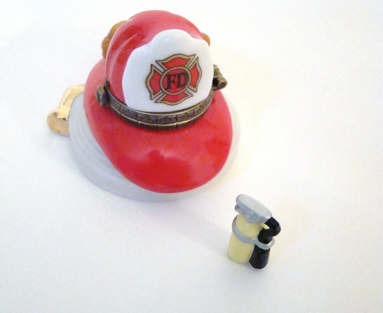 Midwest of Cannon Fireman's Hat with fire extinguisher PHB