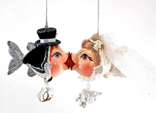 Katherine's Collection Bride & Groom with Dangle Bouquet and Rings Magnetic Kissing Fish