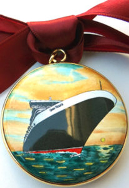 Staffordshire Queen Victoria Christmas Ornament (T363)