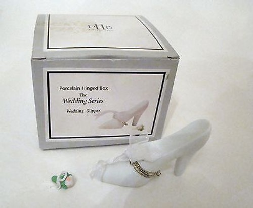 Wedding Slipper Shoe with bouquet