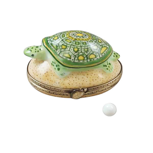 TURTLE ON SAND WITH EGG Limoges Box RA323-I