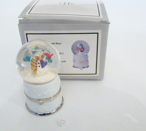 Midwest of Cannon Falls Snowman Snowglobe with Snowflake PHB