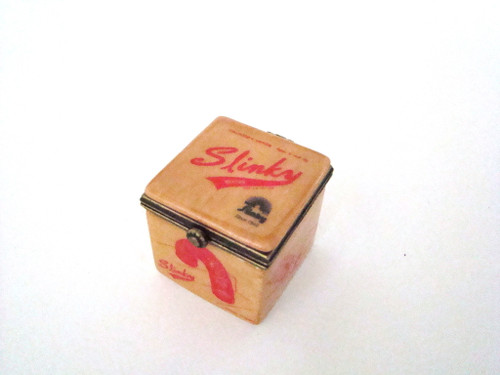 Midwest of Cannon Falls Slinky Porcelain Hinged Box PHB