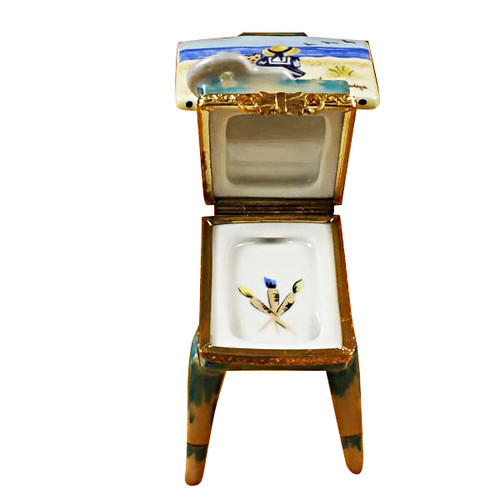 Easel W/Girl & Seashore Rochard Limoges Box