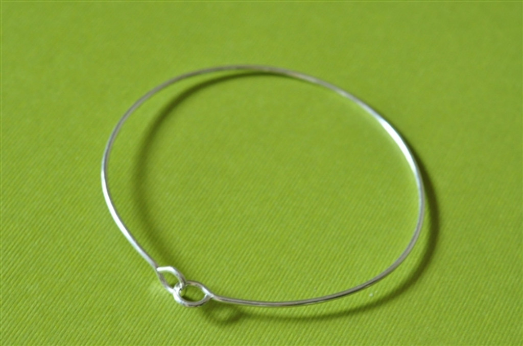 HOLDING HANDS skinny bangle