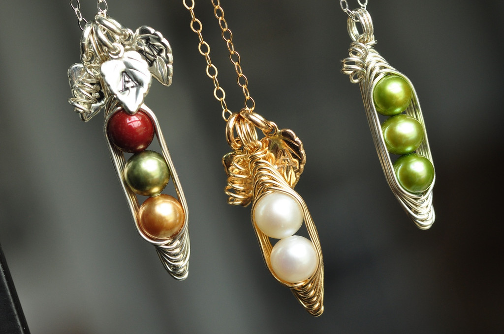 Peas in a Pod Necklace with  initial leaves  Ϋ_ muyinjewelry.com
