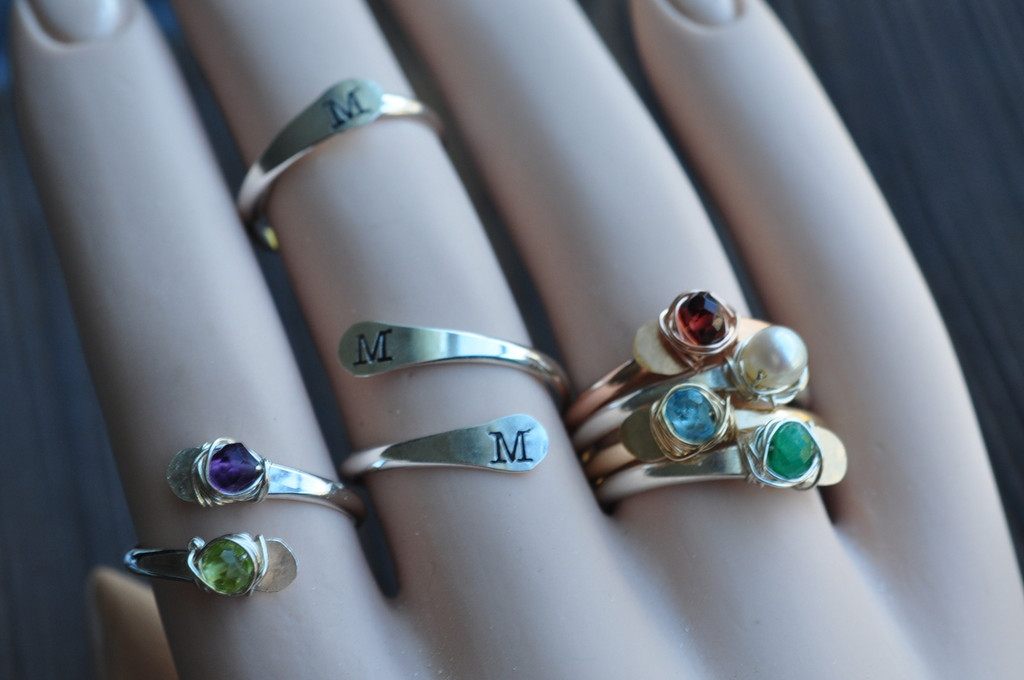 adjustable gemstone ring - muyinjewelry.com
