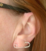 SINGLE SAFETY PIN earring in sterling silver - perfect for double piercings