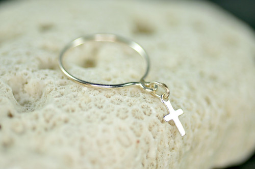 sterling silver dangle ring with cross charm | muyinjewelry.com